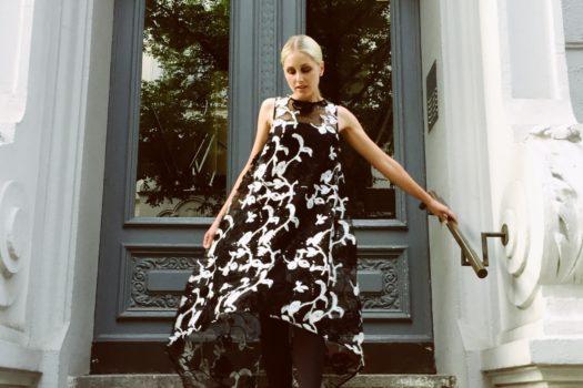 """Autorin Andrea Bruchwitz über """"Perlen statt Plunder"""", Mode und ästhetischen Minimalismus"""