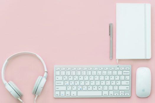 Deine rosa Reading-List: Diese 3 Bücher solltest du unbedingt lesen!
